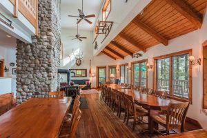 otter-creek-lodge-great-room-dining