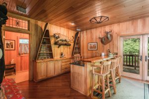 otter-creek-lodge-wet-bar