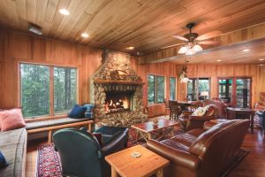 otter-creek-lodge-living-room-lounge