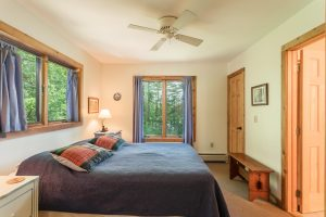 otter-creek-lodge-seneca-bedroom