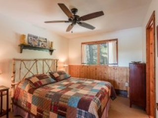 otter-creek-lodge-mohawk-bedroom